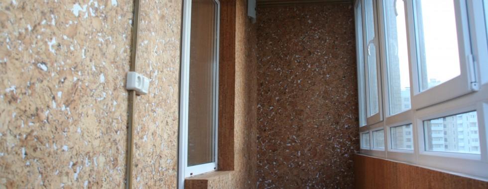 картинка отделка балкона пробкой