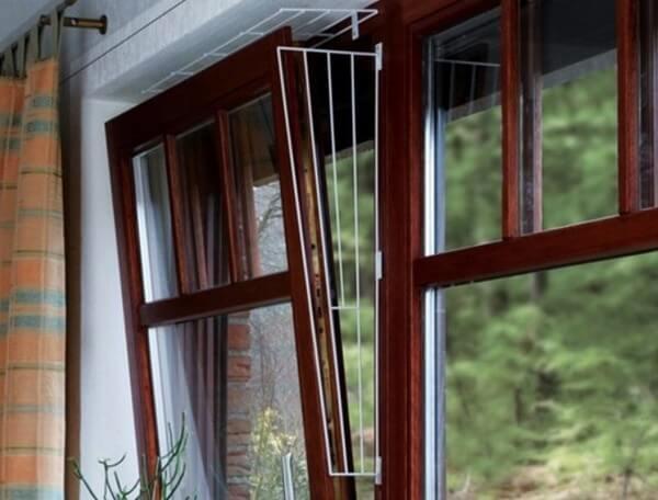 картинка решетка на поворотно-откидное окно