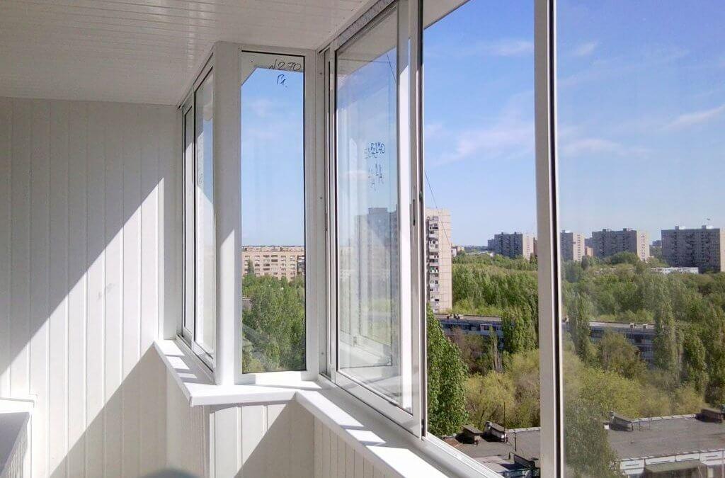 Как утеплить балкон с холодным остекленением без замены остекленения