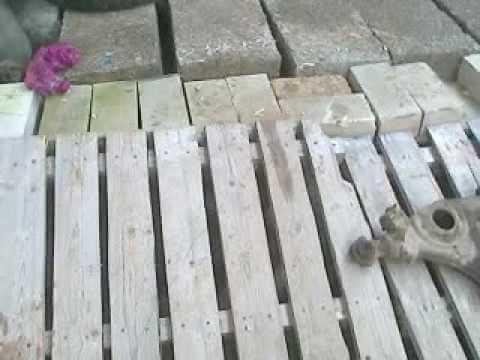 картинка Пол из разобранных поддонов