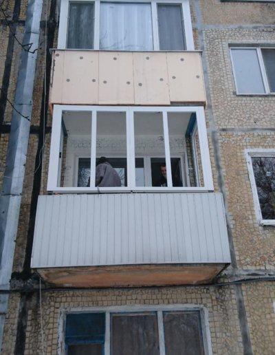 фото остекление балкона в Донецке ул Бирюзова д 23 ОкнаПроф 001