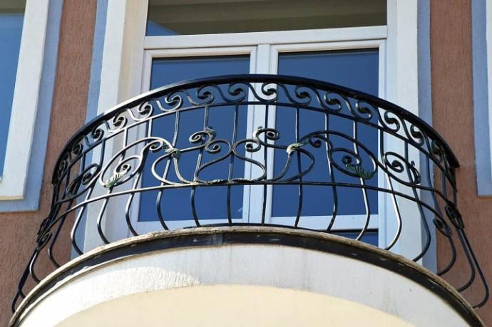 картинка балкон радиальной формы