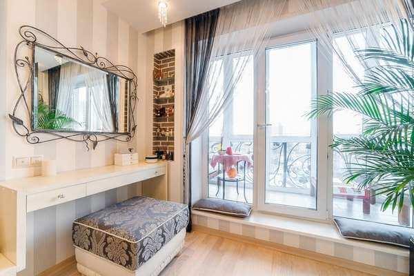 картинка французские окна в квартире