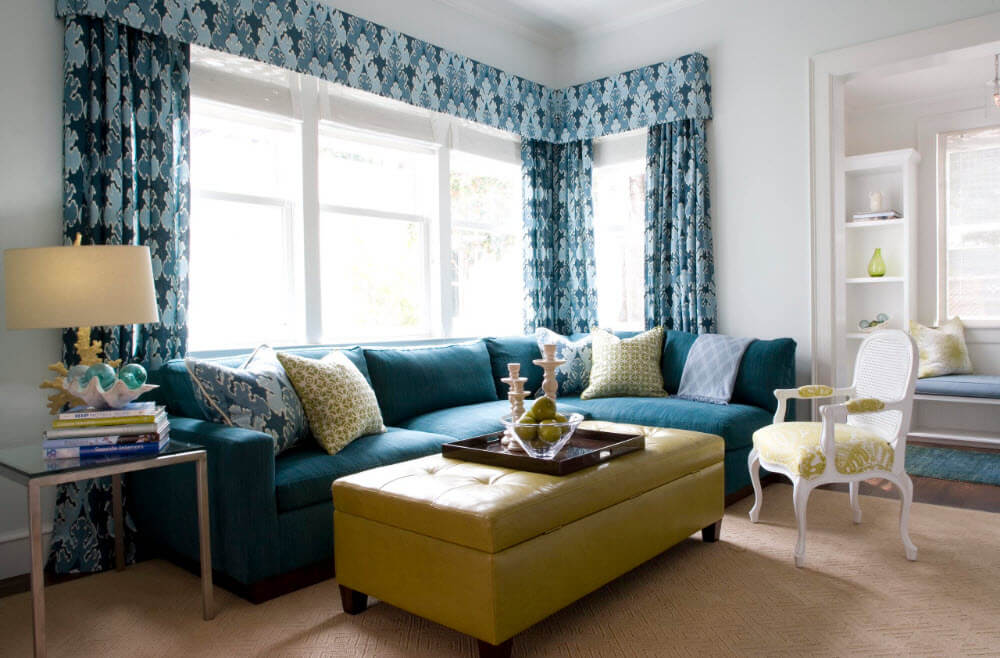 картинка боковое положение дивана к окну