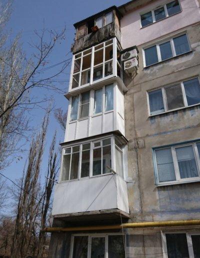 фото французское остекление балкона в Донецке ул Семашко д14 Окнапроф 002