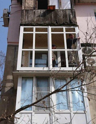 фото французское остекление балкона в Донецке ул Семашко д14 Окнапроф 003
