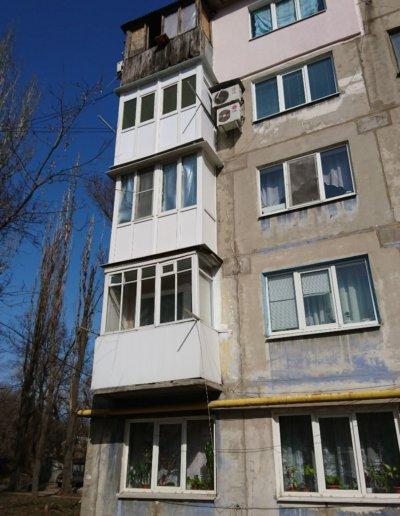 фото французское остекление балкона в Донецке ул Семашко д14 Окнапроф 004