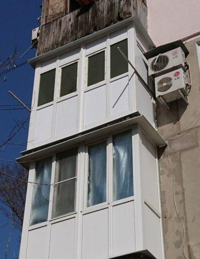фото французское остекление балкона в Донецке ул Семашко д14 Окнапроф 005