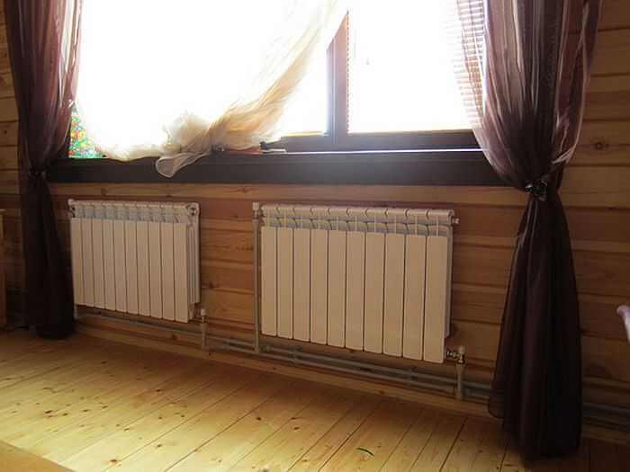 Почему радиаторы отопления ставят под окнами
