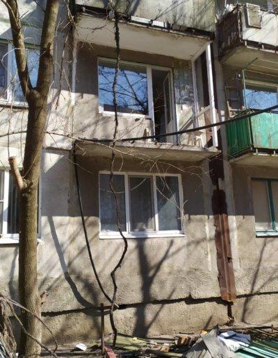 фото французский балкон в Харцызске мк-н Юбилейный установка ОкнаПроф 004