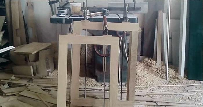 картинка деревянная рама с одной створкой