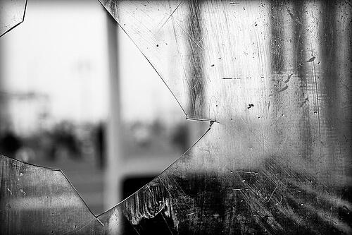 картинка установка окна поверх разбитого