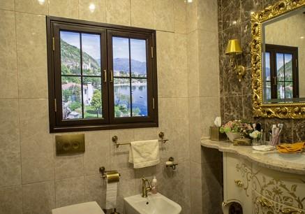 картинка Фальш-окно в ванной