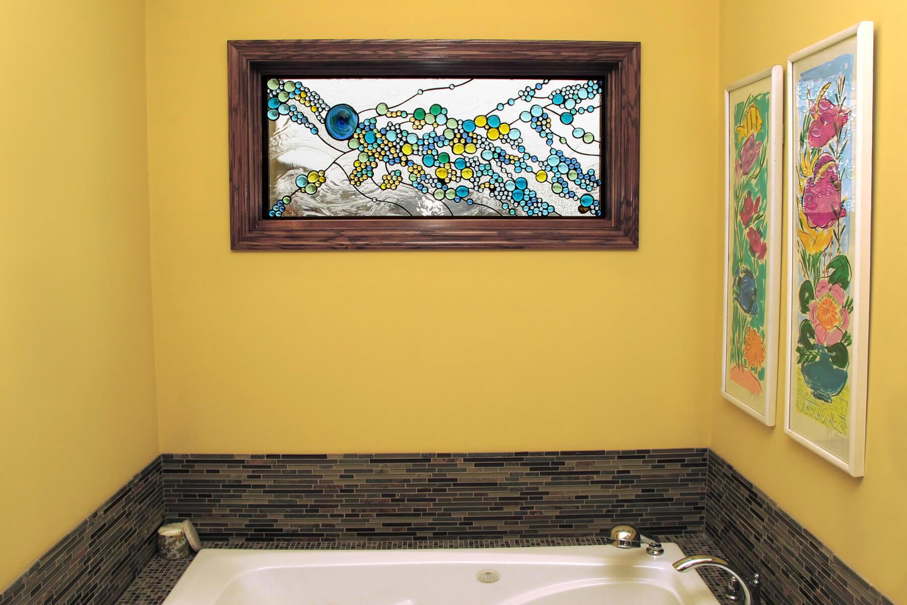 картинка оформление окна в ванной