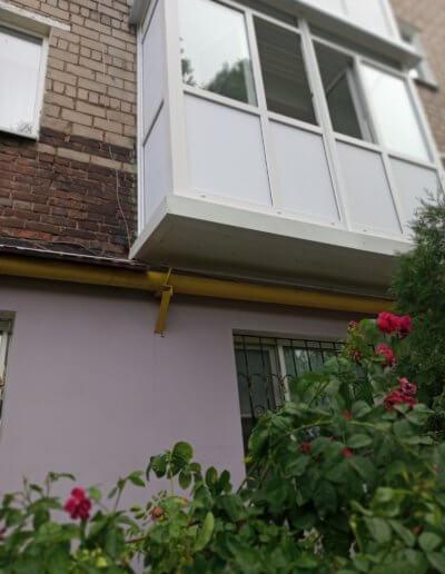 французский балкон: Макеевка 57-й квартал д 12 -001