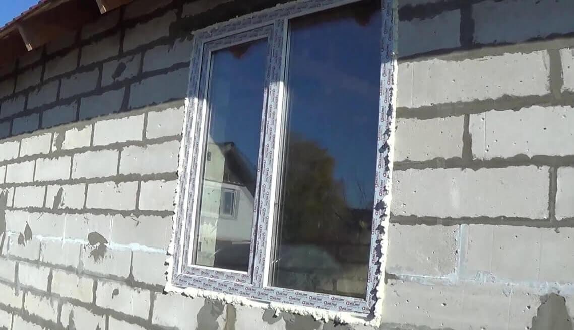 картинка установка пластиковых окон в газобетон