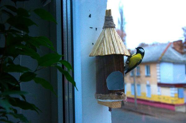 Кормушка на окно своими руками